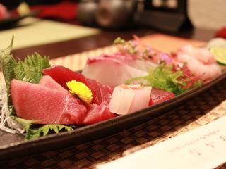 大阪府岸和田市|駅前にある寿司ダイニング【 旬彩 dining sushi なかの 】のお造り