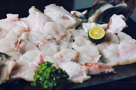 大阪府岸和田市|駅前にある寿司ダイニング【 旬彩 dining sushi なかの 】の鍋料理